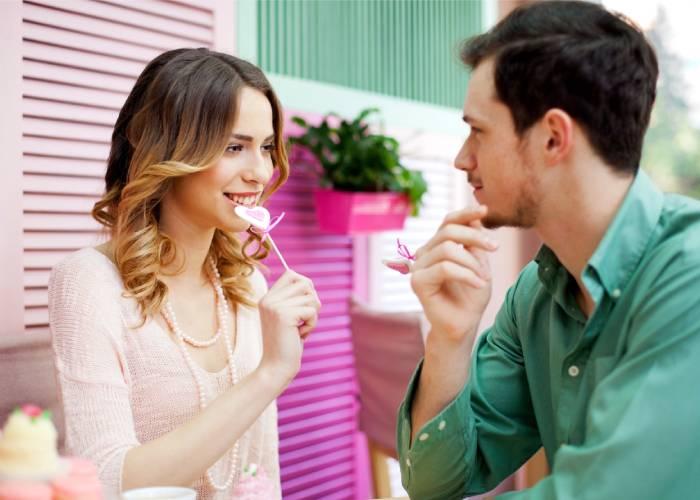Cosa fare al primo appuntamento con donna conosciuta online?